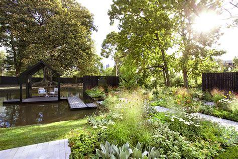 reflection presented  australian house garden images