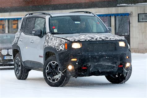 jeep inside 2018 jeep renegade facelift spied inside and out auto
