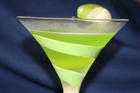 green apple martini recipe midori green apple martini recipe food com