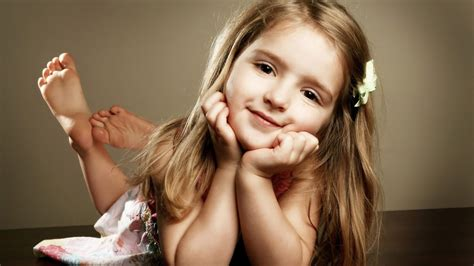 cute child pretty cute girl wallpapers and images wallpapers