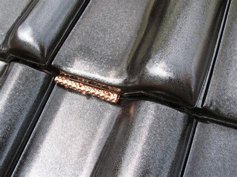 kupfer gegen moos firstabdeckung aus kupferrolle mit 4 falten z 1 2