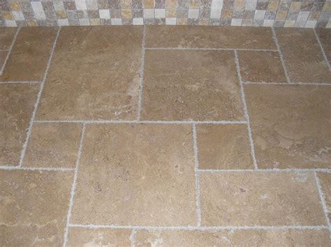 Tumbled Travertine Wall And Floor Tiles Noce   Carpet
