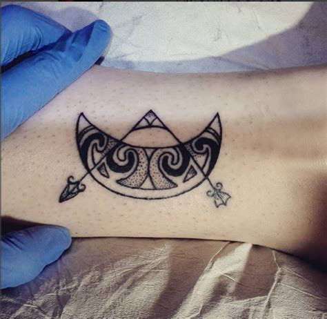 pictish tattoos pictish v rod and crescent by ylliadexiloscient on