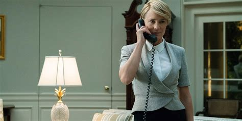 robin wright claire underwood robin wright best robin wright haircut house of cards season 6 claire underwood screen rant
