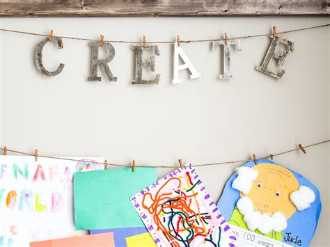 10 diy kids art displays to make them proud kidsomania kid s artwork display 10 minute diy chaotically creative
