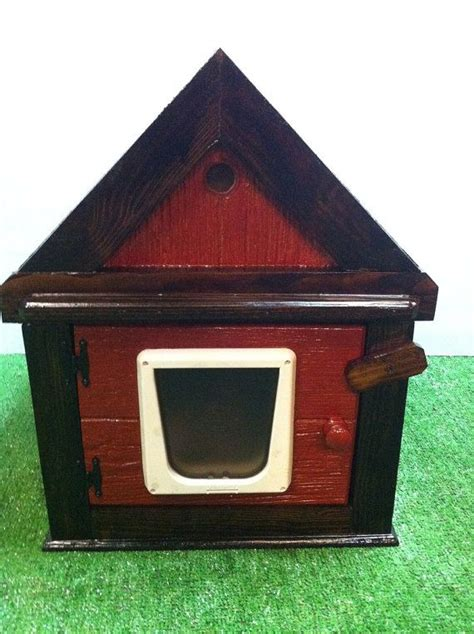 heated outdoor cat house 25 best ideas about heated outdoor cat house on pinterest dog in heat amazing dog