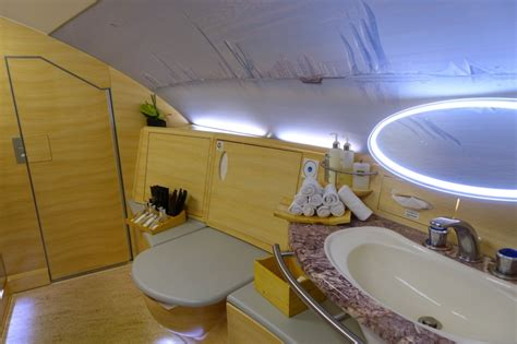 emirates a380 bathroom emirates a380 first class 6 things i love and 3 i don t