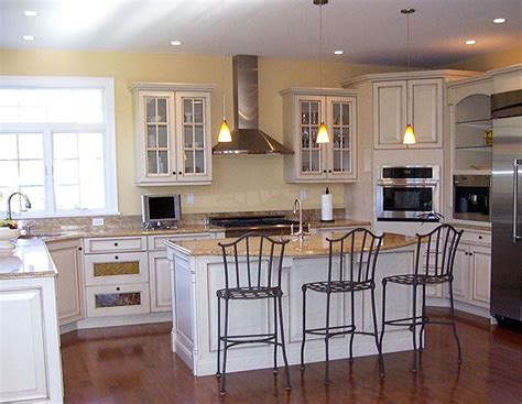 Kitchen Chapel Hill by Dura Supreme Kitchen Cabinetry Shown With Chapel Hill