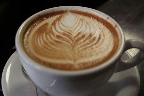 leaf pattern latte leaf latte art in a mug free stock photos in jpg format