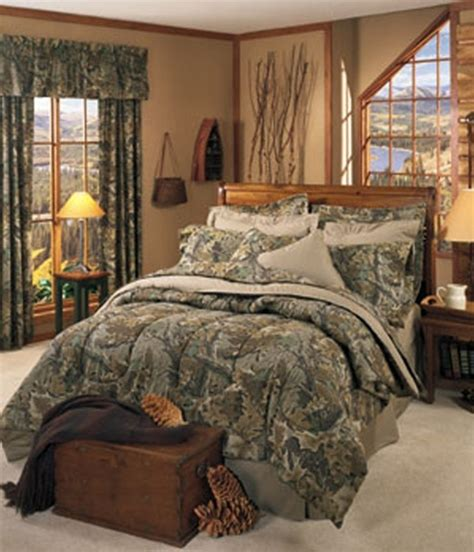 camo hunting bedroom for the home pinterest perfect for our bedroom i like the outdoorsy feel of the
