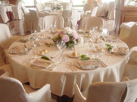composizioni floreali con candele centrotavola per matrimoni addobbi floreali per