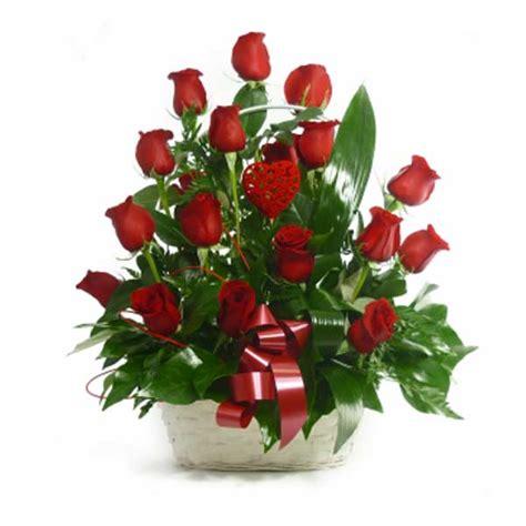 imagenes de numa rojas cesta de 18 rosas rojas regalarflores net