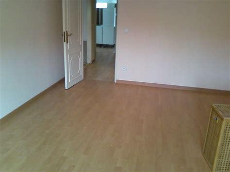 pavimento fluttuante carpinteiro de limpos