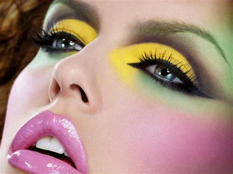 Make Up Maskara the miami style makeup and more make up