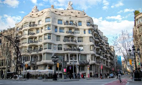 barcelona architecture architecture by bike pedaling your own gaudi bike tour in
