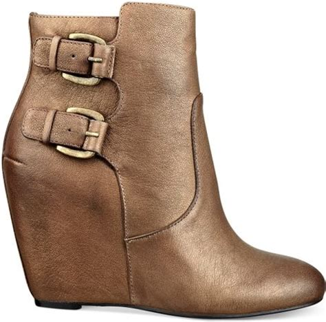 guess womens boots ulfred buckle wedge booties in gold