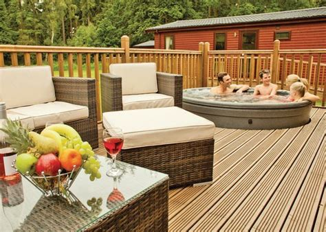 Cabins In With Tubs by Secluded Log Cabins With Tubs Hottubhideaways