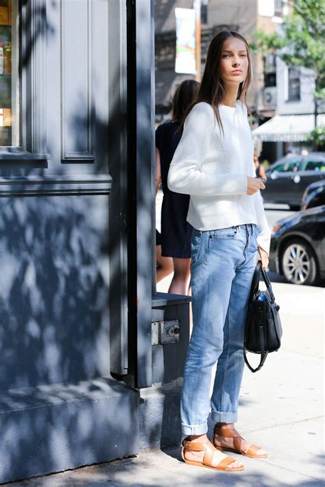 skinny jeans in or oyt in 2015 nyfw spring 2015 street style verdict skinny jeans are
