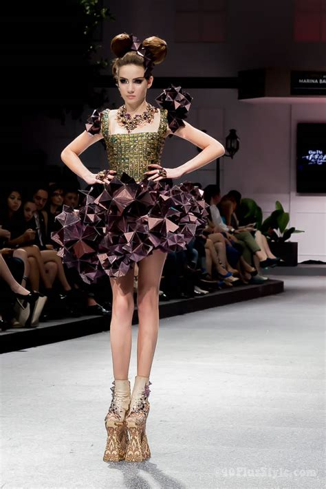 Contention On The Catwalk As Fashion Finds It Conscience by Guo Pei Fashion Show In Singapore Be Completely Wowed