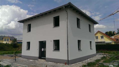 Sockel Haus by Bautagebuch
