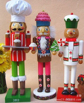 cheap nutcracker soldiers 692 best images about nutcrackers on