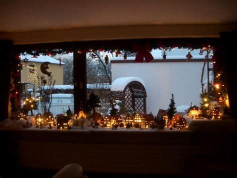 fensterbrett weihnachten weihnachtsdeko weihnachtsdorf unser reich zimmerschau
