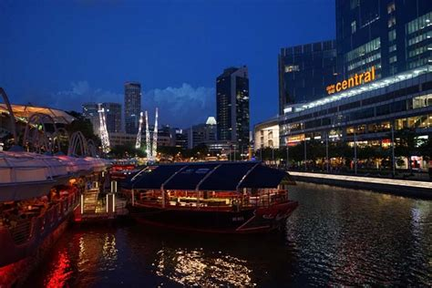 the mask boat quay singapore street food temples old airport road