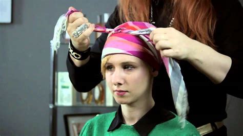 different ways to wear a bandana with short hair how to tie a silk head scarf short fabulous hair youtube