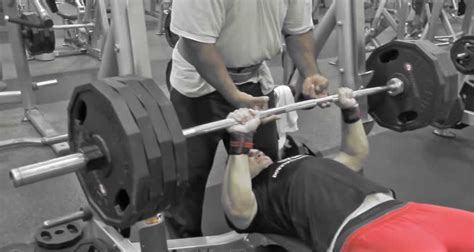 bench press arch back bodybuilding bench press vs powerlifting bench press