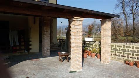 con portico foto portico con rivestimenti colonne a mattoni de