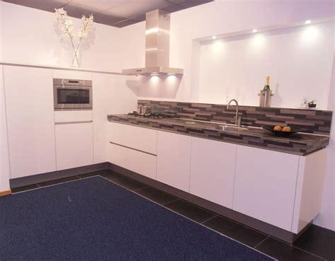 witte hoogglans hoekkeuken keukentrack nl allergrootste keukensite van nederland