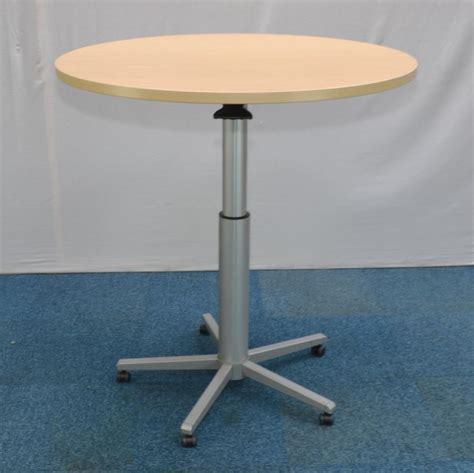 Height Adjustable Meeting Table Maple 1100d Height Adjustable Meeting Table