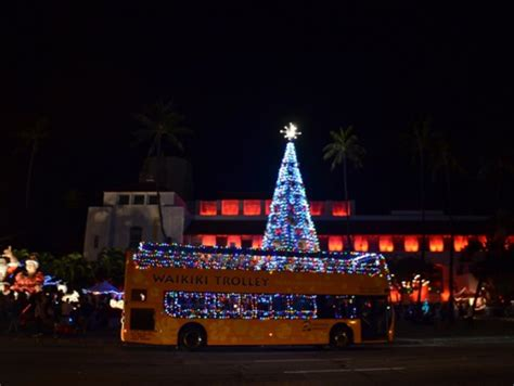 honolulu christmas city lights on trolley or double decker