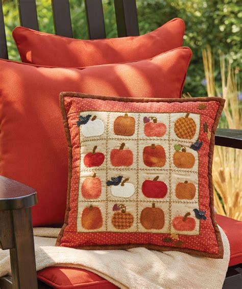 Pumpkin Pillow Pattern by 25 Best Ideas About Pumpkin Pillows On Burlap