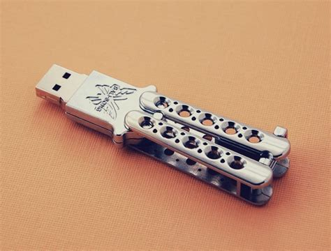 butterfly knife flash drive butterfly knife usb drive by benchmade punchpin cool stuff
