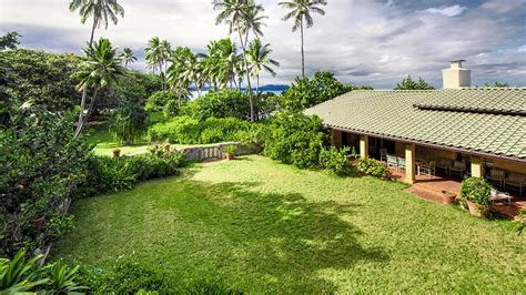 obama buys house in hawaii snopes reports circulating that obamas bought magnum p i