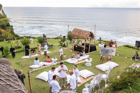 choosing beautiful places   married  bali ananda