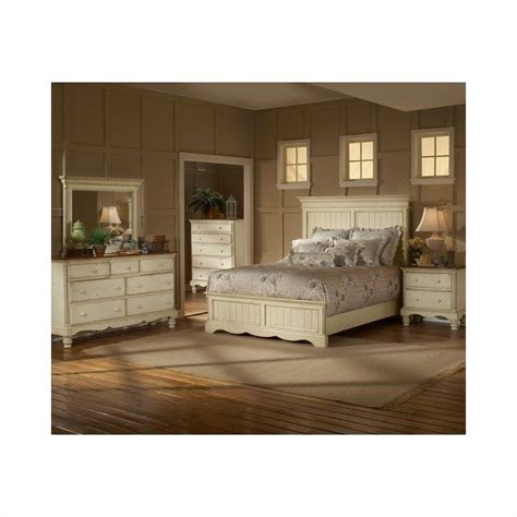 wilshire bedroom set hillsdale wilshire 4 bedroom set in antique white 1172stgbxrset4