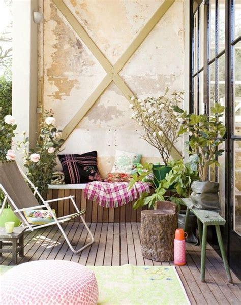 deko industrial balkon deko industrial wand holzboden gartenstuhl