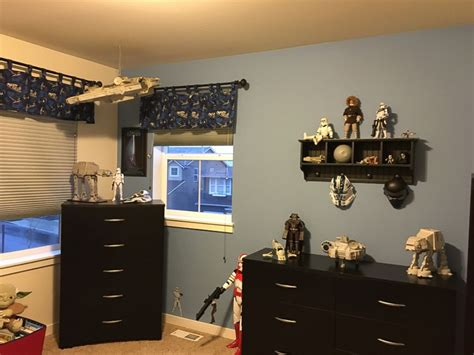 star wars themed bedroom go inside one family s star wars themed bedroom abc news