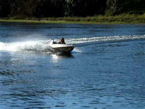 mini jet boat videos mini jet boat ea 81 subaru motor youtube