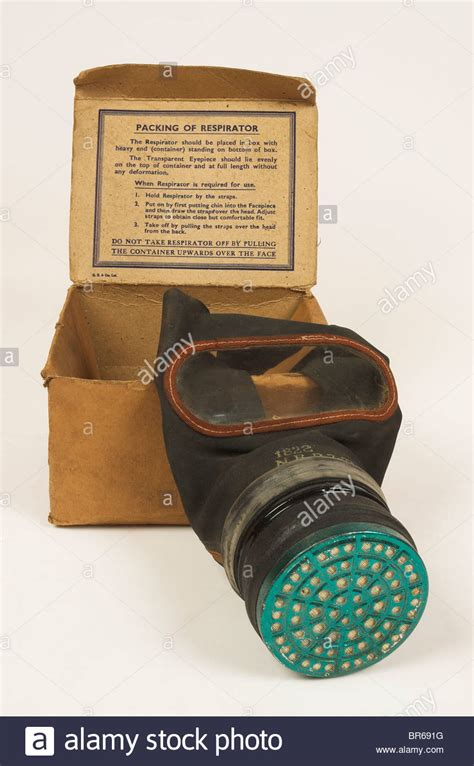 Masker Per Box world war 2 gas mask in original cardboard box with