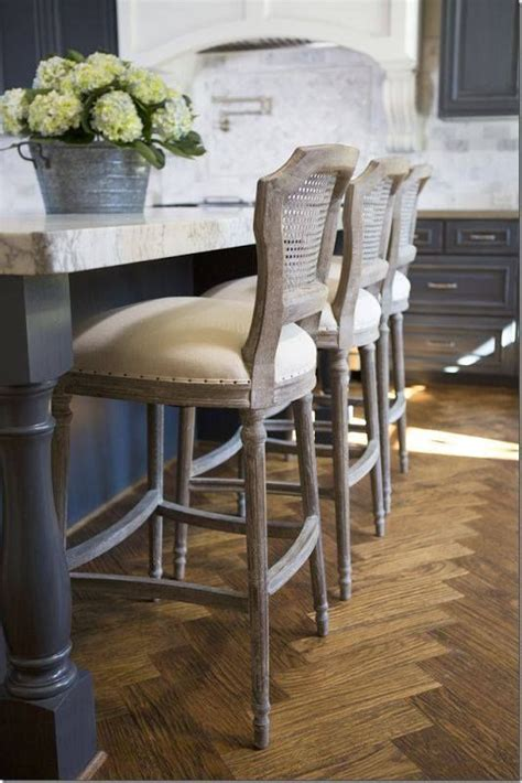 Chairs For Kitchen Island by 25 Best Ideas About Kitchen Island Stools On Pinterest