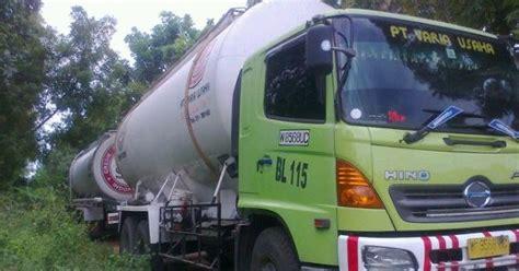 Mesin Fhoto Kopi ozon kunduran mesin waktu dan truck muncul nyasar secara ghaib d tengah hutan blora