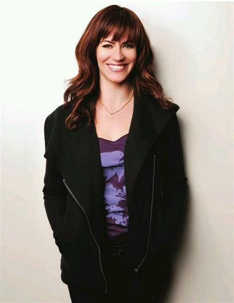tara 2011 sons of anarchy hairstyle maggie siff misc pinterest her smile sons of