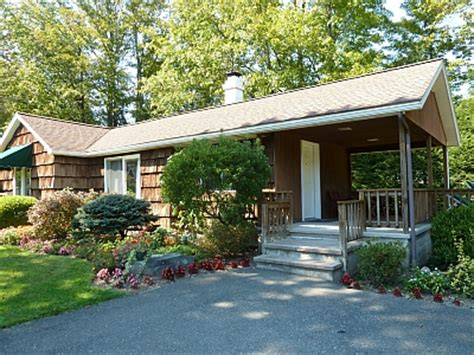 cottages in the poconos cottages with fireplaces and tubs in the