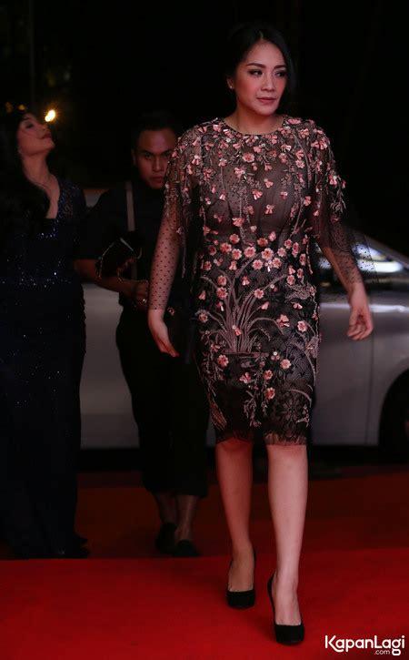 Nagita Dress 1 foto dress transparan nagita slavina tapi tetap