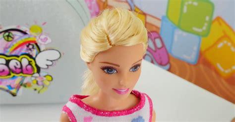 giydirme oyunu kiz oyunlari barbie oyunlari oyunlar kiz oyunu ayşe barbie kuaf 246 r setiyle oynuyor kız oyunu kızvızvız