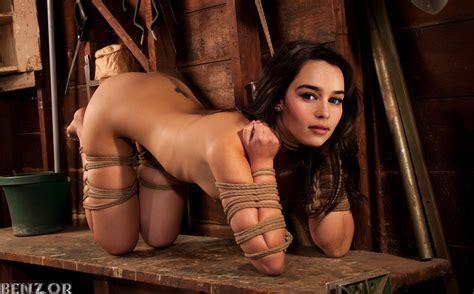 Emilia Clarke Nude Celebrities Naked Pictures