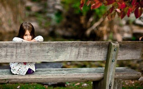 sitting on the bench waiting for you lovewayz love greetings sad love wallpapers